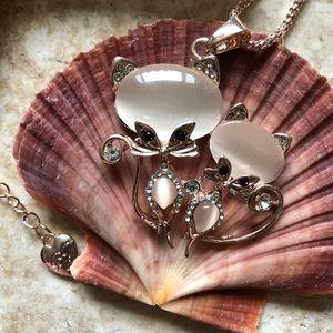 [NWOT] Betsey Johnson Siamese Cat Necklace